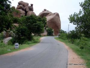 On the way to Hampi